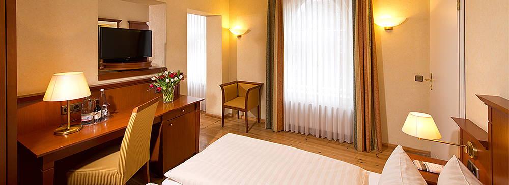 Doppelzimmer Hotel in Berlin Mitte Augustinenhof mit Flachbildschirm