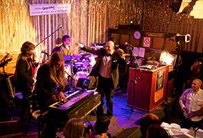 Musik in Clärchens Ballhaus
